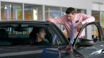 Chevrolet Malibu TV Spot, 'Moving In' - Thumbnail 6