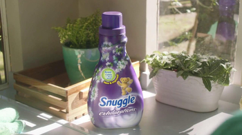 Snuggle Exhilarations TV Spot, 'Scents That Last' - Thumbnail 2