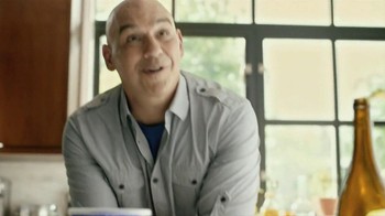 Oikos Greek Nonfat Yogurt TV Spot Featuring Michael Symon - Thumbnail 8