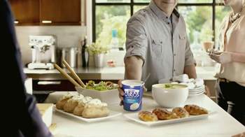 Oikos Greek Nonfat Yogurt TV Spot Featuring Michael Symon - Thumbnail 9