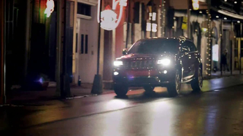 2014 Jeep Grand Cherokee TV Spot, 'Dominique's' - Thumbnail 8