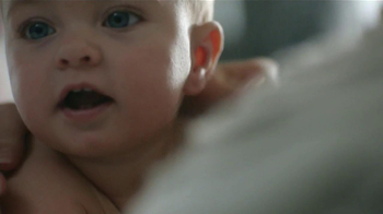 Johnson's Baby Lotion TV Spot [Spanish] - Thumbnail 7
