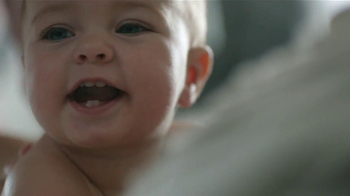 Johnson's Baby Lotion TV Spot [Spanish] - Thumbnail 8