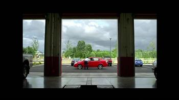 Les Schwab Tire Centers TV Spot, 'Frenos Ruidosos' [Spanish] - Thumbnail 5