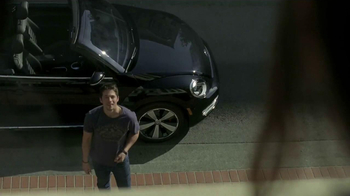 2013 Volkswagen Beetle Convertible TV Spot, 'Waking Up' Song by Cat Power - Thumbnail 2
