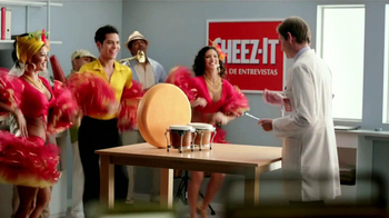 Cheez-It TV Spot, 'Pruebas de Sabor' [Spanish] - Thumbnail 7