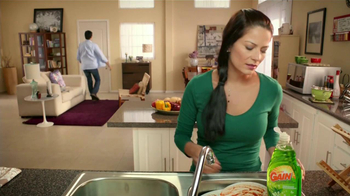 Ultra Gain Dishwashing Liquid TV Spot [Spanish] - Thumbnail 2