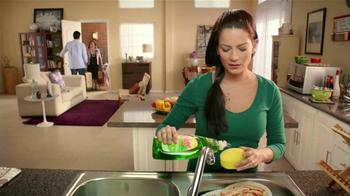 Ultra Gain Dishwashing Liquid TV Spot [Spanish] - Thumbnail 3