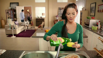 Ultra Gain Dishwashing Liquid TV Spot [Spanish] - Thumbnail 4