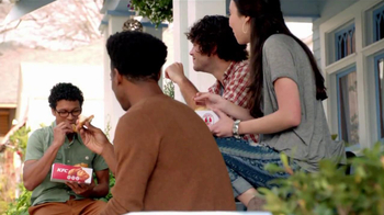 KFC Boneless Original Recipe TV Spot 'Kids on the Patio Eat the Bones' - Thumbnail 8
