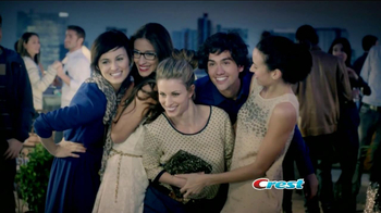 Crest Plus Scope TV Spot, 'Celebra los Audaces' [Spanish] - Thumbnail 3