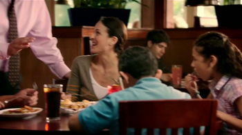 Red Lobster Four Course Seafood Feast TV Spot, 'Gerente General' [Spanish] - Thumbnail 1