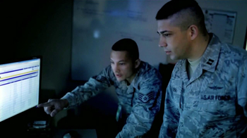 US Air Force TV Spot, 'Capitán Nicolás Aquino' [Spanish] - Thumbnail 7