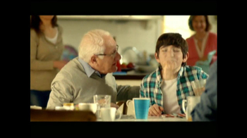 Clorox Clean-Up with Bleach TV Spot, 'Risas con Abuelo' [Spanish]