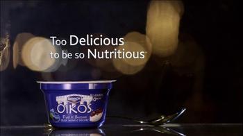 Oikos TV Spot, 'Argument' Featuring John Stamos - Thumbnail 10
