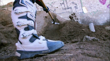 Lucas Oil TV Spot, 'Motorbiking' Featuring Colton Haaker - Thumbnail 4