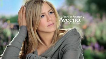 Aveeno Positively Radiant TV Spot, 'Manchas' Con Jennifer Aniston [Spanish] - Thumbnail 1