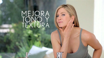 Aveeno Positively Radiant TV Spot, 'Manchas' Con Jennifer Aniston [Spanish] - Thumbnail 6