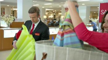 Macy's Venta del Cuatro de Julio TV Spot, 'Compras' [Spanish] - Thumbnail 7