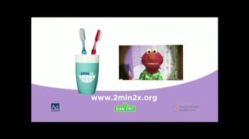 Healthy Mouths Healthy Lives TV Spot, 'Cepillar con Elmo' [Spanish] - Thumbnail 9