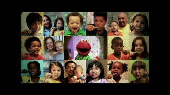 2min2x TV Spot, 'Cepillar con Elmo' [Spanish] - 10 commercial airings