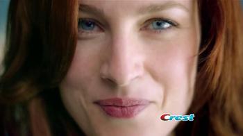 Crest 3D White Luxe TV Spot, 'Manchas en los Dientes' [Spanish] - Thumbnail 1