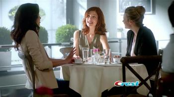 Crest 3D White Luxe TV Spot, 'Manchas en los Dientes' [Spanish] - Thumbnail 10