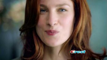 Crest 3D White Luxe TV Spot, 'Manchas en los Dientes' [Spanish] - Thumbnail 4