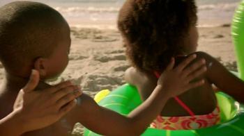 Hilton HHonors TV Spot, 'Sunscreens Together' - Thumbnail 4