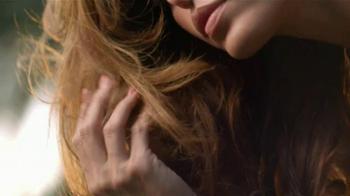 Pantene Smooth TV Spot, 'Summer Frizz' Featuring Eva Mendes - Thumbnail 2