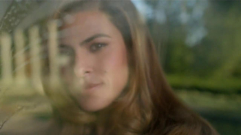 Pantene Smooth TV Spot, 'Summer Frizz' Featuring Eva Mendes - Thumbnail 4