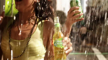 Bud Light Lime TV Spot, 'Switch On Summer' Song by Andra Day - Thumbnail 7
