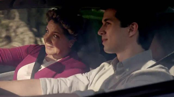 2014 Honda Civic TV Spot, 'Mom Directions' [Spanish] - Thumbnail 3