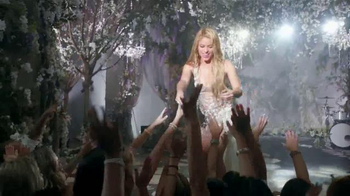 Crest 3D White Luxe TV Spot, 'El Poder Para Cautivar' Con Shakira [Spanish] - Thumbnail 4