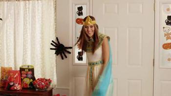 Walmart TV Spot, 'Monstrously Big Halloween' - Thumbnail 6