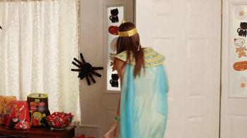 Walmart TV Spot, 'Monstrously Big Halloween' - Thumbnail 7