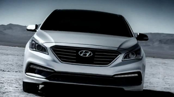 2015 Hyundai Sonata TV Spot, 'Rocket' - Thumbnail 4