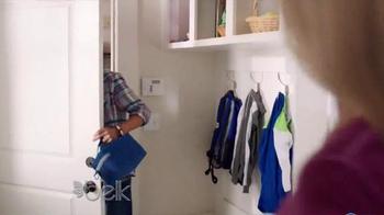 Belk TV Spot, 'Belk Gives on the Go' Song by Elijah Aaron - Thumbnail 6