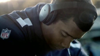 Bose QC25 Headphones TV Spot, 'Focus Before The Game' Feat. Russell Wilson - Thumbnail 6
