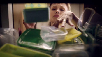 Ziploc Stackable Containers TV Spot, 'Lecciones: Avalancha' [Spanish] - Thumbnail 2