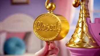 Disney Princess Royal Kingdom Kitchen Cafe TV Spot, 'Royal Meals' - Thumbnail 7