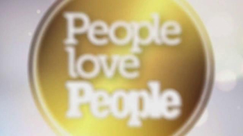 People Magazine TV Spot, 'Royal Family' Song by Bruno Mars - Thumbnail 9