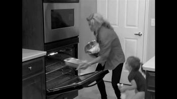 Dump Cakes TV Spot, 'Holidays' - Thumbnail 1