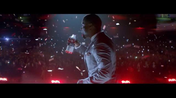 Vitaminwater TV Spot, 'Make it Big' Featuring Kevin Hart - Thumbnail 9