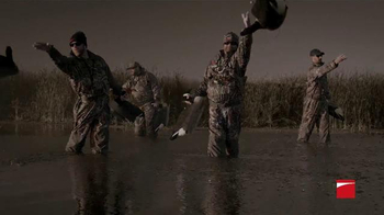 Benelli TV Spot, 'A Rainy Hunt' - Thumbnail 2