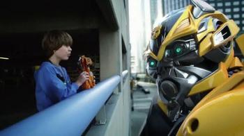 Transformers: Age of Extinction Mega 1-Step Bumblebee Figure TV Spot - Thumbnail 8