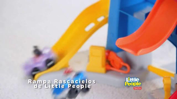 Fisher Price Little People City Skyway TV Spot, 'En El Coche' [Spanish] - Thumbnail 5