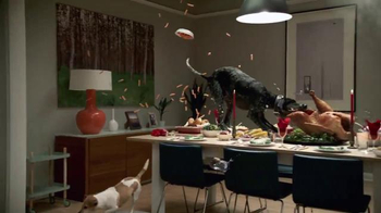 VIZIO P-Series Ultra HD TV Spot, 'Turkey Dinner' - Thumbnail 4