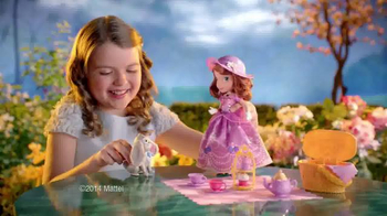 Sofia the First Tea Party Picnic Doll TV Spot, 'Cupcakes, Tea and Clover' - Thumbnail 3