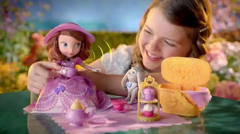 Sofia the First Tea Party Picnic Doll TV Spot, 'Cupcakes, Tea and Clover' - Thumbnail 5